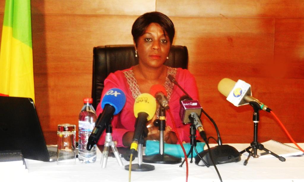 Madame la ministre Arlette Soudan-Nonault, dans la liste de «Africa Travel 100 Women» Awards